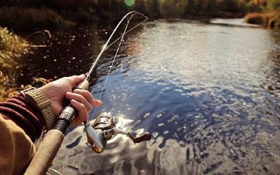 На рыбалке со спинингом