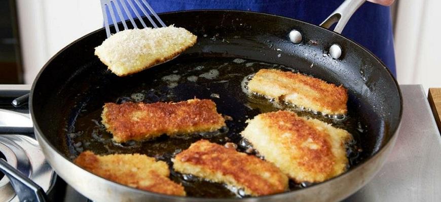 Обжарьте рыбу