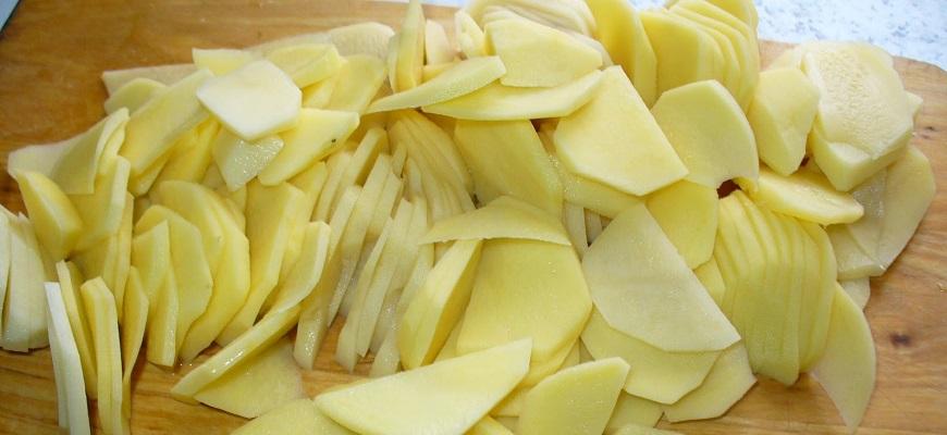 Картофель пластинами